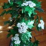 Цветущий боярышник из бисера