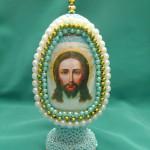 Яйцо с изображением Духа Святого, бисероплетение пасхальные яйца