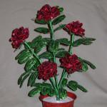 Розы вишнёвые из бисера
