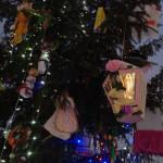 картинки новогодние игрушки своими руками елку, самоделки новогодние игрушки из бумаги, новогоднее украшение города фото, елка фото дерево новогодняя, фото новогодней елки на улице, новогоднее украшение большого города, новогодние игрушки большая елка улице, новогодняя елка городе живая, новогодние елки 2016 екатеринбург