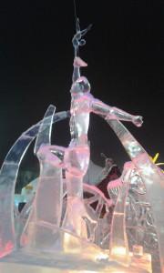 Екатеринбург. Ледовая скульптура «Искра победы»