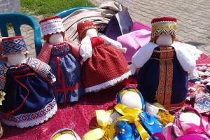 народные куклы обереги, кукла оберег семья, кукла столбушка оберег, кукла оберег дом, тряпичные куклы обереги, малахитовая шкатулка фестиваль, малахитовая шкатулка екатеринбург