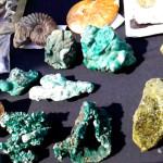 натуральный камень малахит, зеленый малахит камень, сувениры минералы, поделочные камни урала, камни урала фото, природные камни урала, самоцветы урала камни, камни урала екатеринбург, малахитовая шкатулка фестиваль, малахитовая шкатулка екатеринбург
