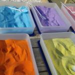 рисовать разноцветным песком, рисуем песком занятия, рисовать цветным песком, разноцветный песок творчество, цветной кварцевый песок творчество, кварцевый песок детское творчество, детское творчество картины песок, творчество своими руками