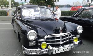 ретро автомобили зим, ретро автомобили газ, легковые ретро автомобили, экспозиция ретро автомобилей, русские ретро автомобили, отечественные ретро автомобили, российские ретро автомобили, выставка ретро автомобилей, советские ретро автомобили екатеринбург, парад ретро автомобилей, ретро автомобили ссср