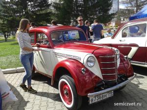 ретро автомобили москвич, ретро автомобили москвич 401, легковые ретро автомобили, экспозиция ретро автомобилей, русские ретро автомобили, отечественные ретро автомобили, российские ретро автомобили, выставка ретро автомобилей, советские ретро автомобили екатеринбург, парад ретро автомобилей, ретро автомобили ссср