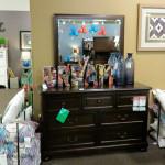 Аксессуары для спальни. Магазин «Мебель из Небраски», штат Техас, США
