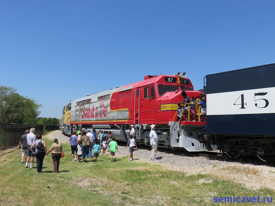 Дизель-электровоз FP-45 №97. Музей Американской Железной Дороги. Техас