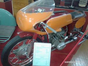 М-52С, старинные мотоциклы фото, ретро мотоциклы фото, ретро мотоциклы ссср фото, музей мотоциклов видео, ирбитский музей мотоциклов, музеи мотоциклов россии, старинные мотоциклы, музеи ретро мотоциклов, музей мотоциклов ирбит, государственный музей мотоциклов, музеи старинных мотоциклов, выставка ретро мотоциклов, советские ретро мотоциклы, памятники науки техники, урал ретро, мотоцикл ирбит, музей мотоциклов, мотоцикл урал ретро