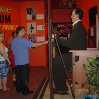 музей рипли, роберт рипли, шоу рипли, музей странности, музей рипли хотите верьте хотите нет, детские музеи америка, картинки необычные люди мира, шоу про необычных людей
