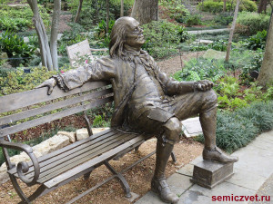 бенджамин франклин, фото скамейка парке, скамейка парке картинки, скульптура виде скамейки, скульптура из бронзы, парк скамейками, скамейки отдыха парке, скульптуры на скамейке, авторские работы мастера, скамейка парке, скамейки парковые, франклин бенджамин президент сша, бенджамин франклин президент, даллас техас, штат техас сша