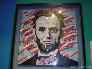 Сэнди Шиммел «Президент Авраам Линкольн». Печатные издания и письма. Музей Рипли. Гранд-Прери, Техас, США