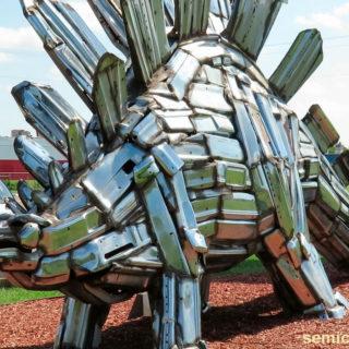 Музей Рипли. Выставка скульптур из металлолома. Стегозавр