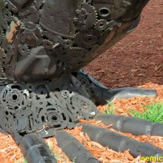Музей Рипли. Выставка скульптур из металлолома. Кинг-Конг