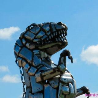 Музей Рипли. Выставка скульптур из металлолома. Тираннозавр