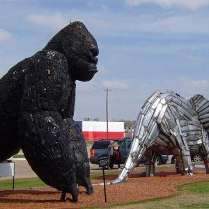 Музей Рипли. Выставка скульптур из металлолома