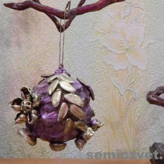Новогоднее украшение - Шар «Флюоритовый цветок»
