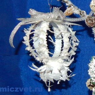 Новогоднее украшение - Шар «Зимняя орхидея»