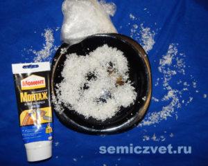 Искусственный снег, клей - материал для изготовления украшений к Новому Году своими руками