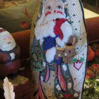 Вышитый крестом Санта Клаус