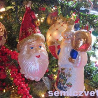 Ёлочные игрушки Санта Клаусы