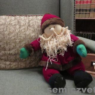 Санта Клаус из ткани