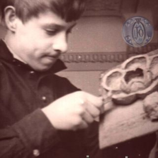Будущий художник-ювелир В.Д.Хахалкин