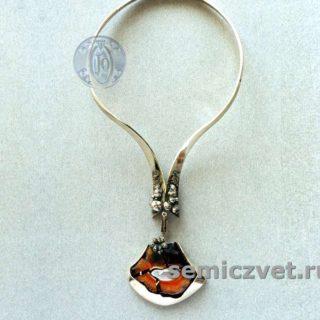 В.Д.Хахалкин. Гривна-украшение «Камин». Мельхиор, никель, медь, сердолик. Смешанная техника. 1983г.