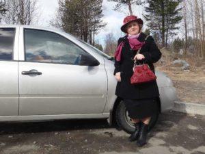 Т.Агарелик: «Выгуливаю свои самоделки – сумочку и шляпу»