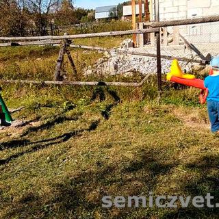 Детская площадка в посёлке