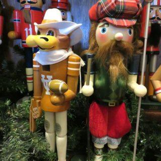 Рождественская выставка Щелкунчиков. Особняк ДеГольер. Даллас