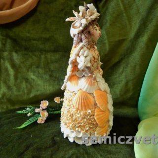 Кукла Дама из морских ракушек