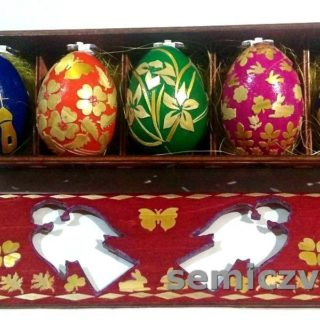 Пасхальный набор из пяти яиц. Изделия из соломки