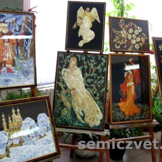 Персональная выставка И.Паросовой. Изделия из соломки