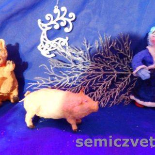 Игрушки из ваты: Свинки и Девочка