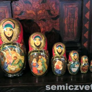 Русские матрёшки. Выставка «Рождество Христово в искусстве». Даллас. Техас