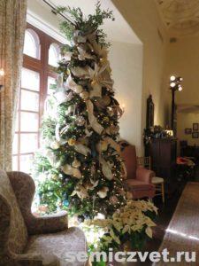Рождественская ёлка. Выставка «Рождество Христово в искусстве». Даллас. Техас