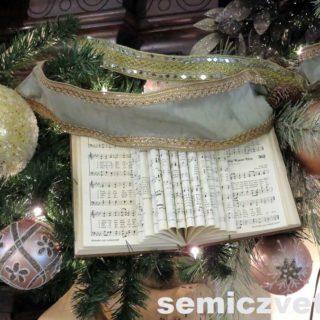 Каминное украшение. Выставка «Рождество Христово в искусстве». Даллас. Техас
