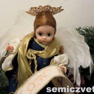 Ангел. Кукла «Мадам Александер». Выставка «Рождество Христово в искусстве». Даллас. Техас