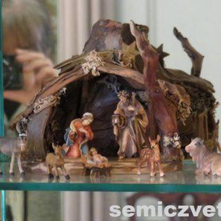 Вертеп. Мария и младенец Иисус, плотник Иосиф. Выставка «Рождество Христово в искусстве». Даллас. Техас