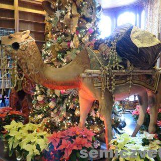 Рождественский персонаж Верблюд. Выставка «Рождество Христово в искусстве». Даллас. Техас