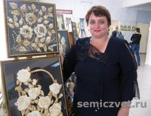 Цветы на картинах из соломки Ирины Паросовой