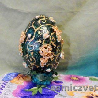 Большое декоративное пасхальное яйцо