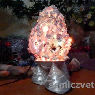 Пасхальное яйцо-светильник из морских ракушек