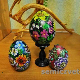 Расписные пасхальные деревянные яйца